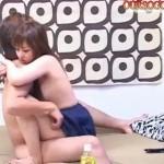 【無修正xvideos】デカチン関西ナンパ男のヤリ部屋に女子校生っぽい少女が!?チビマンコにデカチンがw