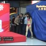 【下着ハミマン毛盗撮】中国で撮影された盗撮動画でしょうか・・・下着のファッションショーなのか履いてる下着が透け透け過ぎて(汗