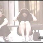 【水平パンチラ盗撮part4】ベンチや地ベタに座る女性の股、エッチな太ももの先に見える三角形▼のパンツ。その名をデルタパンチラと呼ぶ!魅惑のスカート内デルタゾーンパンチラを覗き見せよ!