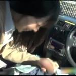【カーセックス盗撮】「お小遣い稼ぎしてみない!?」JKリフレで出会った制服JKを車に乗せて車内でプチ援手こきフェラ!恥ずかしそうにオッサンの勃起チンポを手でつんつん。お口の中に射精してやりました。