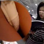 【パンチラ盗撮】ワレメのスジ確認。顔がセクシー!もちろんアソコもセクシーなお姉さん。スタイル良し顔良しのエッチなお姉さんのミニスカートを真下から逆さ撮り!逆さHEROさんの盗撮作品。